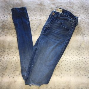 Blue Hollister Skinny Jean with Holes in the Knees